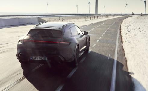 Testprogramma nieuwe Porsche Taycan Cross Turismo doet ook Nederland aan